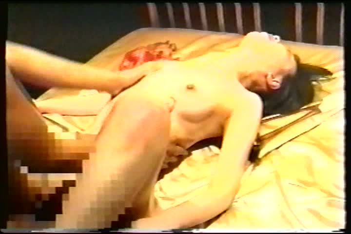 【フェラチオ】下着姿のセクシーなお姉さんをあらゆる手を使ってくすぐりまくるwww